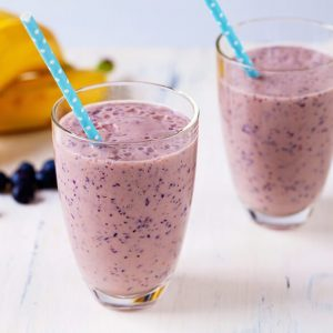 SMOOTHIE DE BANANA E BLUEBERRY