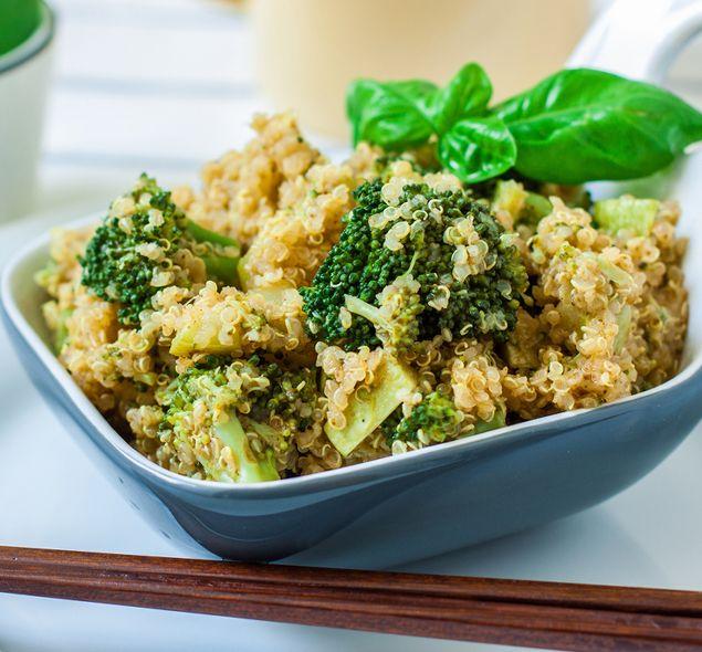 Torta de brócoli com quinoa