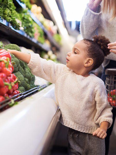 Dia das Crianças: confira dicas práticas de alimentação saudável na infância
