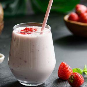 Receita de smoothie de morango com óleo de coco