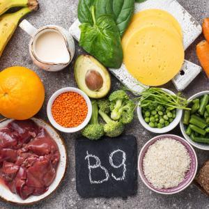 Ácido fólico: pra que serve, benefícios e fontes alimentares
